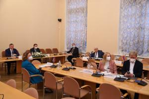 Парламентарии стран Содружества обсудили проекты нормативных актов в области цифрового развития