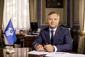 Дмитрий Кобицкий поздравил парламентариев с Международным днем парламентаризма