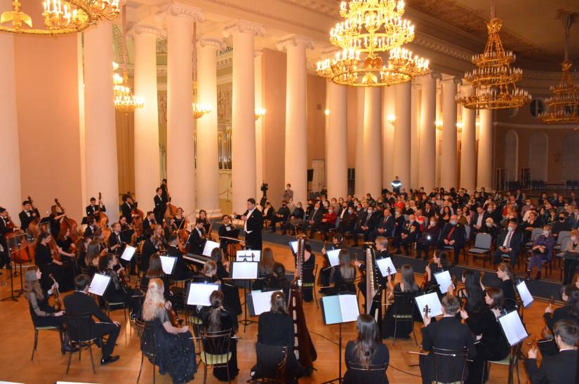 В Таврическом дворце почтили память жителей и защитников блокадного Ленинграда исполнением симфонии Д. Д. Шостаковича