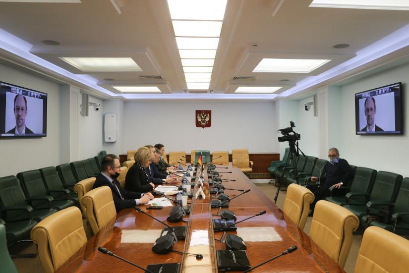 Российские сенаторы приняли участие в международной дискуссии о влиянии изменения климата на сельское хозяйство