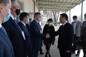 Наблюдатели от МПА СНГ встретились на избирательном участке в Бишкеке с Президентом Кыргызской Республики