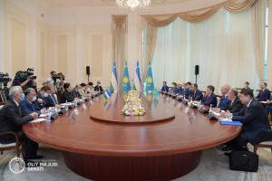 Маулен Ашимбаев и Танзила Нарбаева обсудили продвижение совместных инициатив в рамках МПА СНГ
