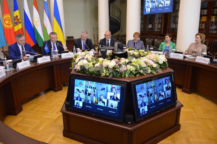 В Таврическом дворце состоялось первое заседание Экспертного совета по науке и образованию при МПА СНГ