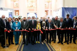 В Таврическом дворце открылась Международная конференция по исследованию космического пространства GLEX-2021