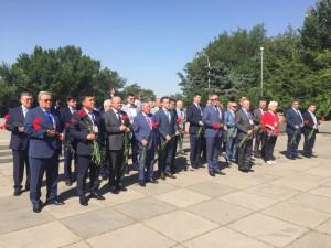 Наблюдатели от МПА СНГ почтили память павших в годы Великой Отечественной войны