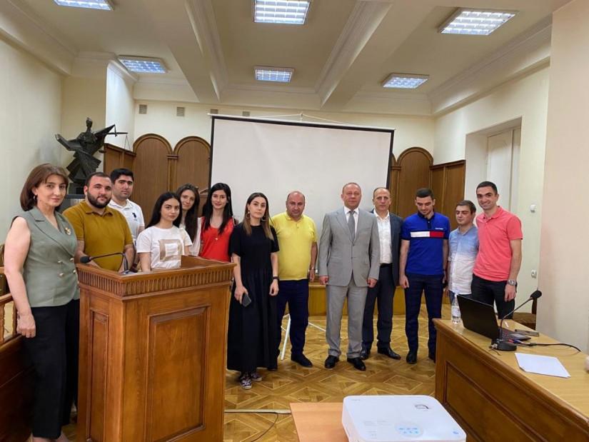 Директор МИМРД МПА СНГ Иван Мушкет выступил с лекцией в Ереванском государственном университете