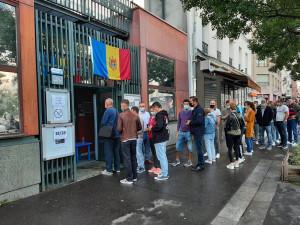 Наблюдатели на выборах в Парламент Молдовы фиксируют высокую явку на зарубежных участках