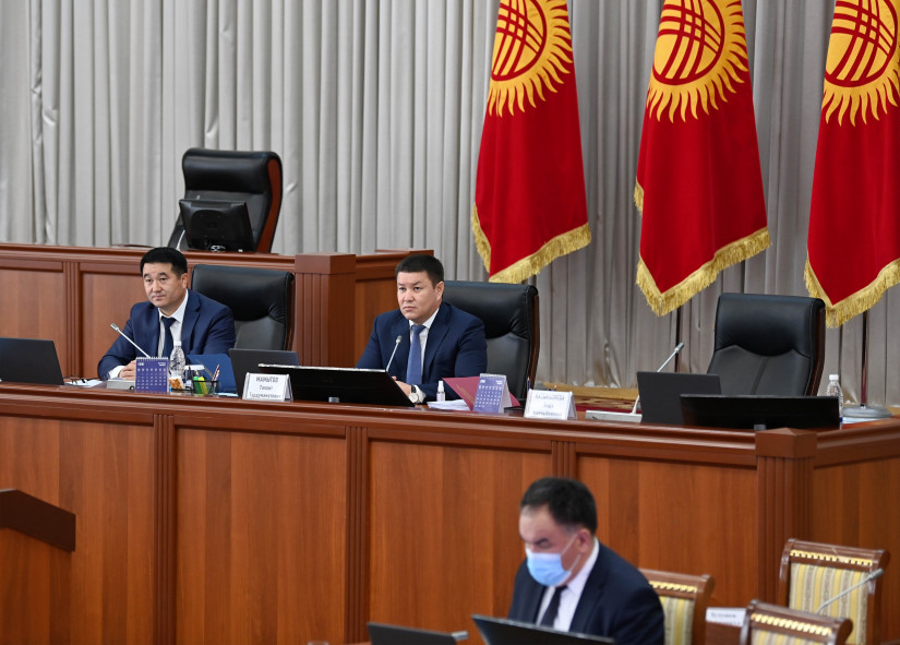 Одобрены поправки в закон о выборах Президента и депутатов Жогорку Кенеша Кыргызской Республики