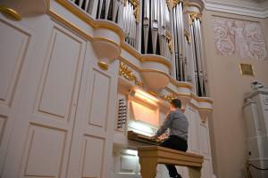 После летних каникул в Таврическом дворце возобновляются органные концерты
