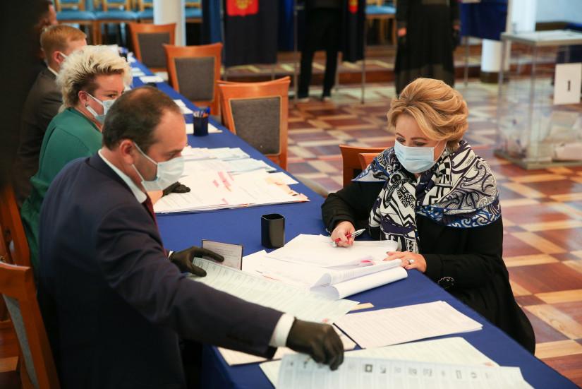 Валентина Матвиенко проголосовала на выборах депутатов Государственной Думы