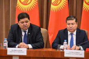 Kyrgyz CEC Delegation Meets St. Petersburg Diaspora Representatives