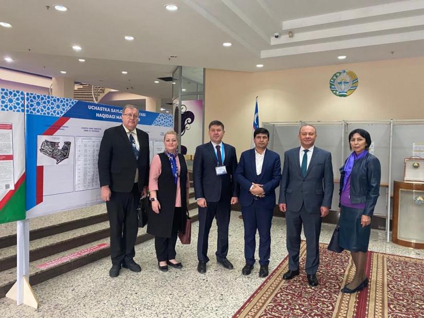 Наблюдатели анализируют своевременность подготовки и оснащение избирательных комиссий к президентским выборам в Узбекистане