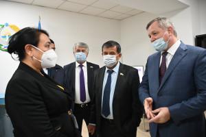Наблюдатели от МПА СНГ присутствовали при открытии участков на выборах Президента Республики Узбекистан