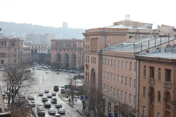 Группа международных наблюдателей вылетела в Ереван