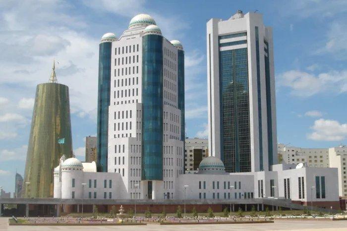 Кайрат Мами вручил юбилейные медали МПА СНГ депутатам Сената Республики Казахстан