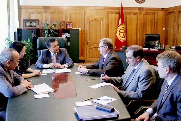 Асилбек Жээнбеков и Сергей Степашин обсудили вопросы сотрудничества