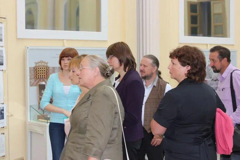 Для реставраторов Думского зала устроили экскурсию по Таврическому дворцу
