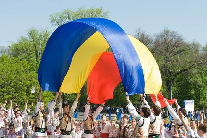 День независимости Республики Молдова отмечают выставками, парадами и автопробегом