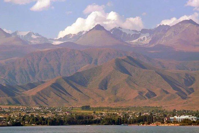 Политические вопросы обсуждали в Кыргызской Республике