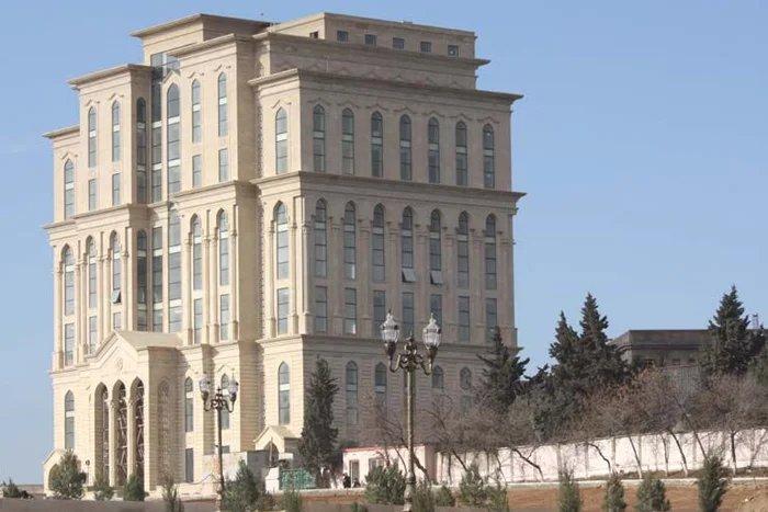 За президентскими выборами в Азербайджане будут следить до 700 международных наблюдателей