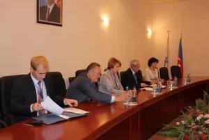 Международные наблюдатели встретились с представителями кандидата от партии «Ени Азербайджан»