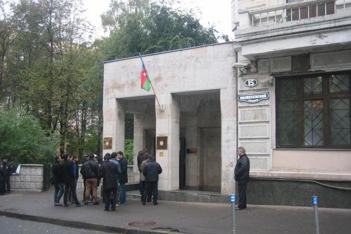Живущие в Москве азербайджанцы активно голосуют на выборах Президента