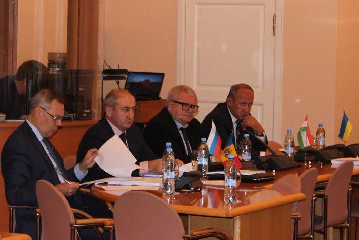 В Таврическом дворце проходит заседание Постоянной комиссии МПА СНГ по экономике и финансам