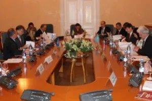 Увековечение памяти защитников Отечества обсуждают в Таврическом дворце