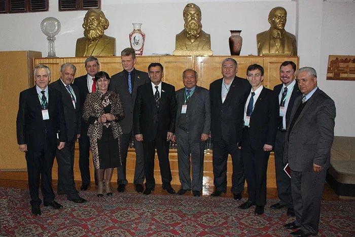 Наблюдатели от МПА СНГ в Душанбе встретились с лидером Коммунистической партии