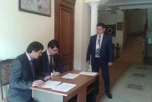 Президента Таджикистана выбирают в Баку - в Посольстве Республики