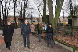 Представители МПА СНГ почтили память Василия Докучаева