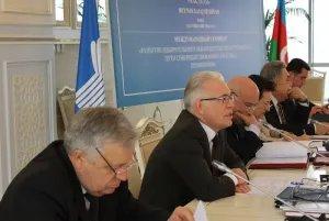 Алексей Сергеев ведет международный семинар в Баку