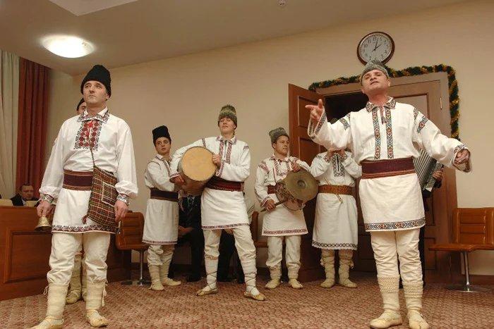 В Молдове прошел парад зимних костюмов