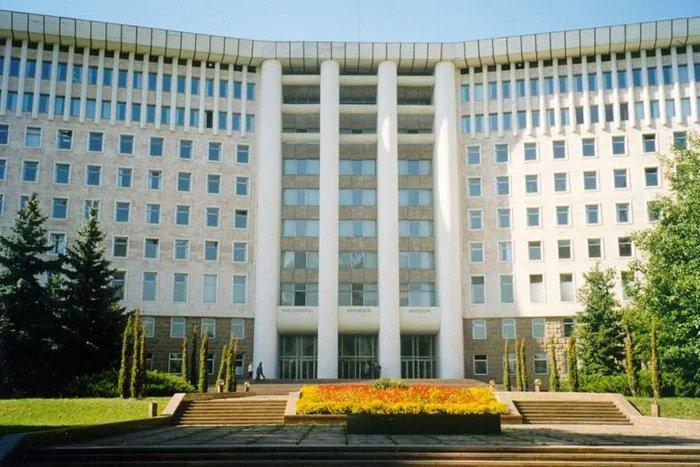 Парламент Республики Молдова собрался на внеочередную сессию