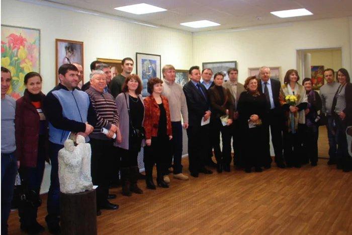 Молдавские художники привезли свои картины в Петербург