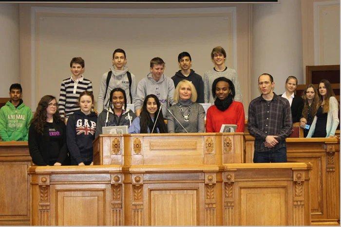 Школьники из Лондона посетили штаб-квартиру МПА СНГ