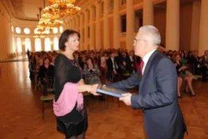 Сотрудниц Секретариата поздравили с женским праздником