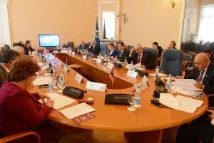 Политические вопросы обсуждают в штаб-квартире МПА СНГ