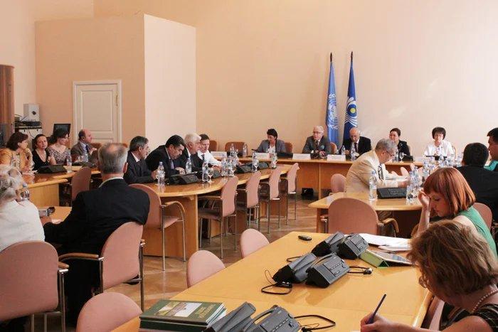 В Таврическом дворце проходит международный семинар «Динамика народонаселения и устойчивое развитие в XXI веке»