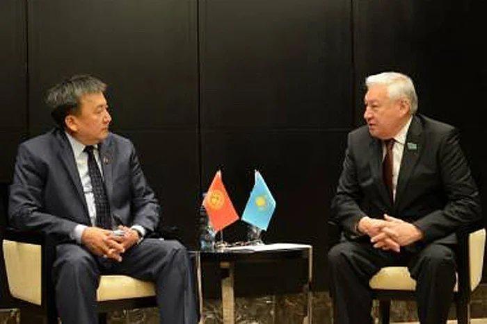 Кабибулла Джакупов и Асылбек Жээнбеков обсудили вопросы укрепления межпарламентского сотрудничества