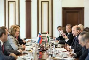 Валентина Матвиенко провела встречу с Шукурджоном Зухуровым
