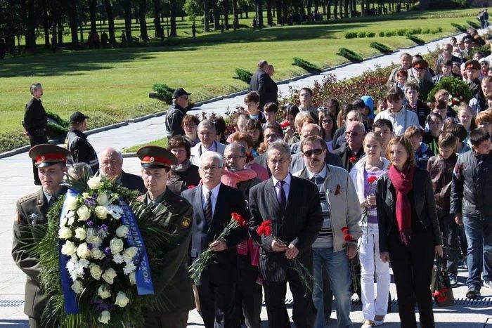 Делегация МПА СНГ приняла участие в торжественно-траурной церемонии