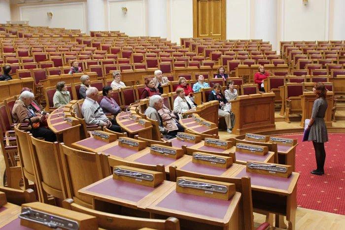 Жители Зеленогорска и Сестрорецка стали гостями Таврического дворца