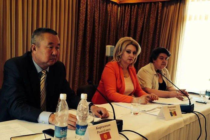 В Чолпон-Ате  парламентарии обсуждают экологические проблемы
