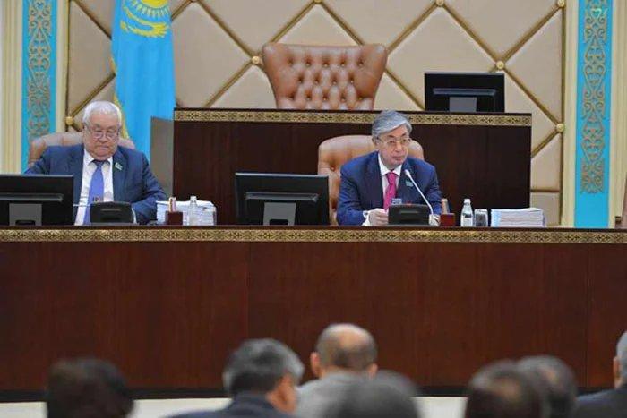 Касым-Жомарт Токаев: «Действенным инструментом парламентского контроля являются депутатские запросы»