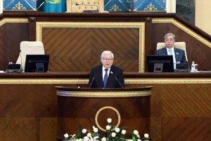 Кабибулла Джакупов отметил необходимость парламентского контроля за реализацией действующих законов и высокий темп законодательных инициатив
