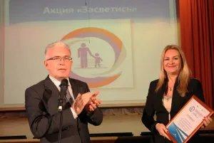 Алексей Сергеев и Сергей Бугров подарили светоотражатели  первоклассникам