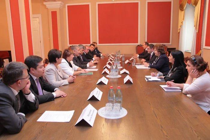В Ереване состоялась встреча делегации МПА СНГ и вице-спикера Национального Собрания Республики Армения