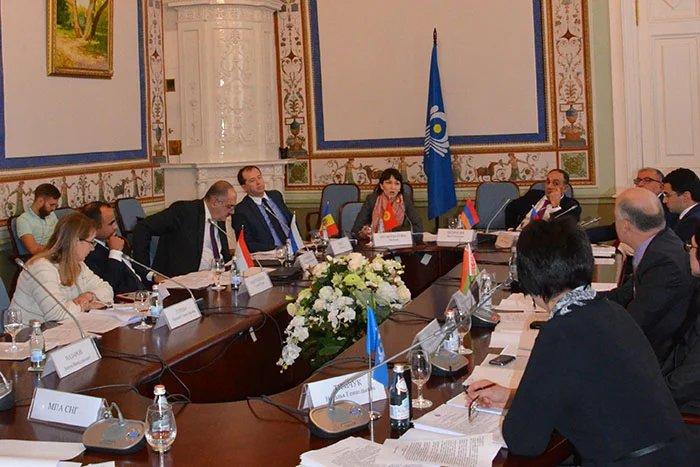 В Таврическом дворце прошло заседание Совета по туризму стран СНГ