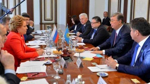 Валентина Матвиенко провела двустороннюю встречу с Касым-Жомартом Токаевым